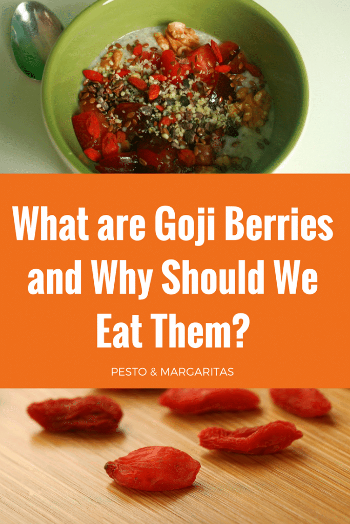 Goji Berries are also known as wolf berries and come from China.  They are mostly found in dried form and can easily be re-hydrated to add to smoothies and smoothie bowls.  But what benefits do they bring?