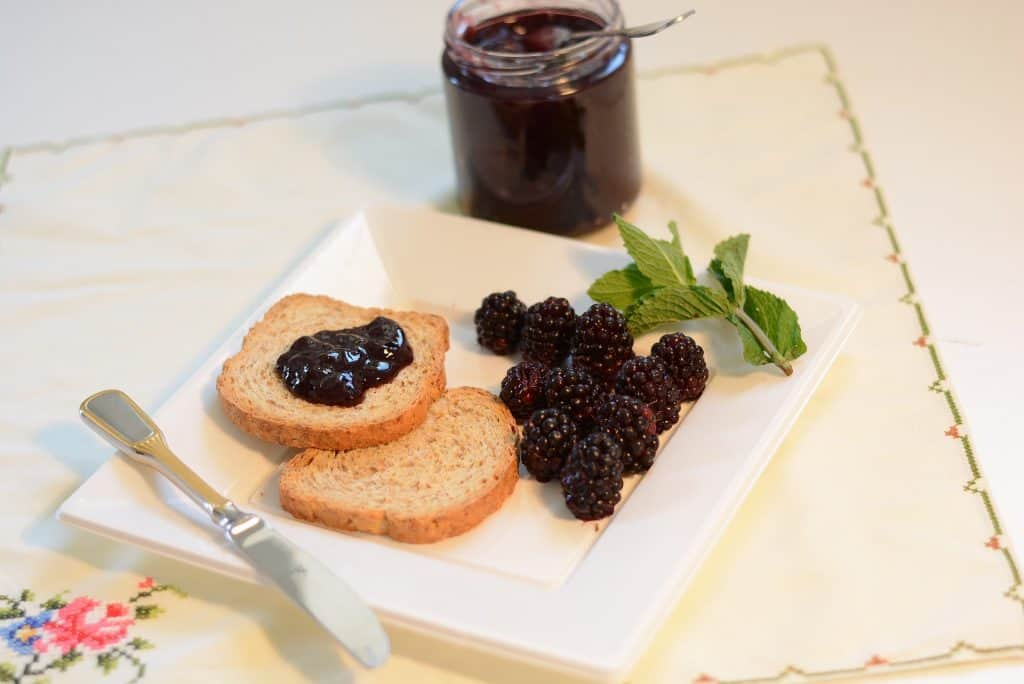 things to do with blackberries - blackberry jam